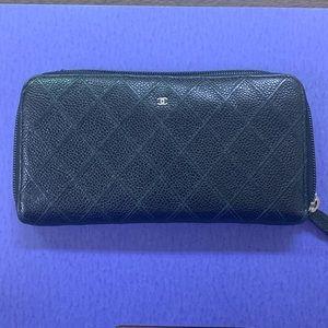 Chanel Zippy Wallet, Diamond stitch, Caviar,